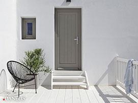 ξυλινη εξωτερικη πορτα